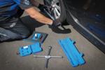 Kit pneus pour changement de roues avec cric rouleur 2,5 ton 10 pieces