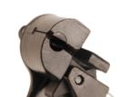 Pince de serrage pour bandes metalliques a auto-blocage
