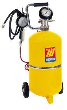 Pompe a pneus et manometre