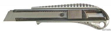 Cutter a lames largeur de lame 18 mm