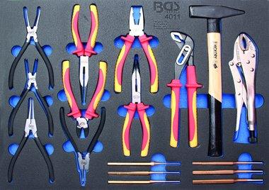 3/3 Bac outils pour les chariots d'atelier: Ensemble de pinces de 17 pieces, marteau, poincon