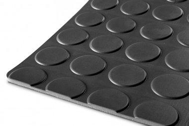 Tapis en caoutchouc au metre de type pastille, noir