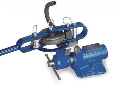 Unite de cintrage pour tuyaux de chauffage RB12