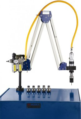 Bras de taraudage pneumatique M10 - M20 Plage de travail 500 - 1600mm